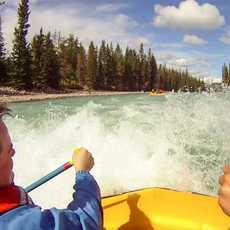 Rafting auf dem Athabasca River im Jasper-Nationalpark
