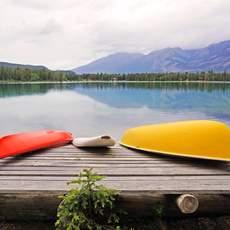 Boote am Lake Agnes