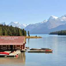 Boat House im Maligne Lake
