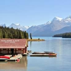 Boat House im Maligne Lake