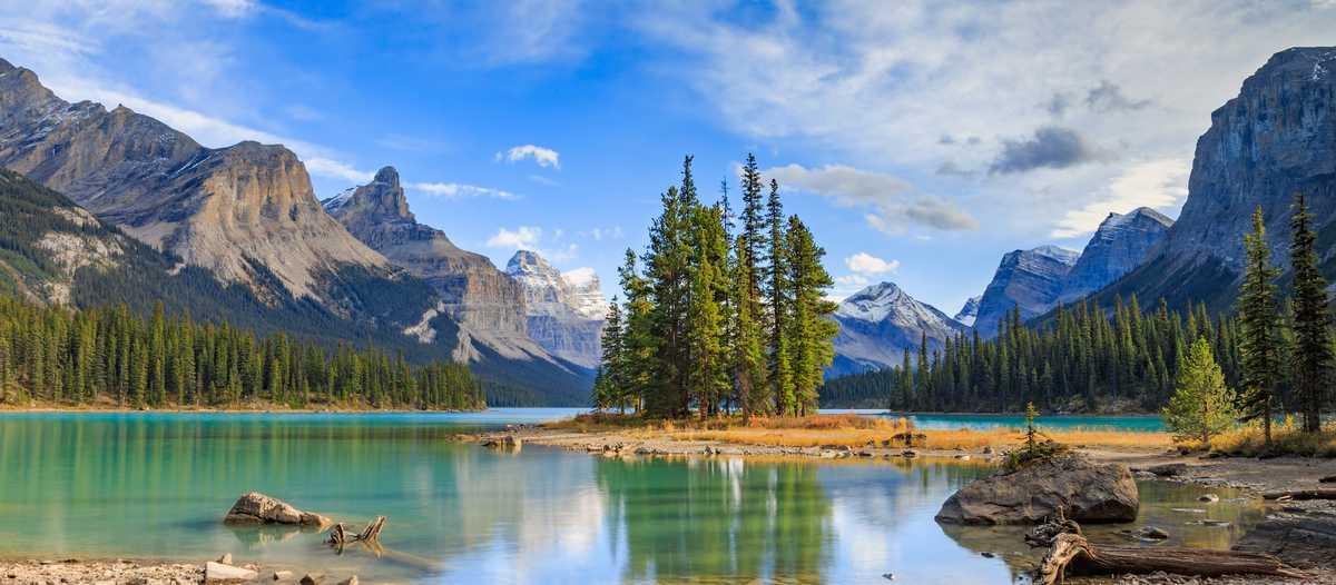 Insel im Maligne See, Alberta