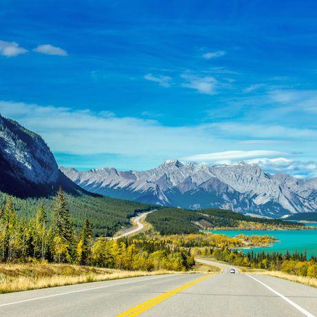 Panorama des Abraham Lake und Allstone Peak, Kananaskis Country, Alberta