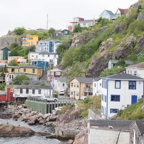Fischerhäuser am Rande des Signal Hills in St. John's