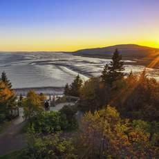 Sonnenaufgang bei Ebbe im The Rocks Provincial Park