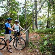 Fahrradfahrer im Kouchibouguac National Park