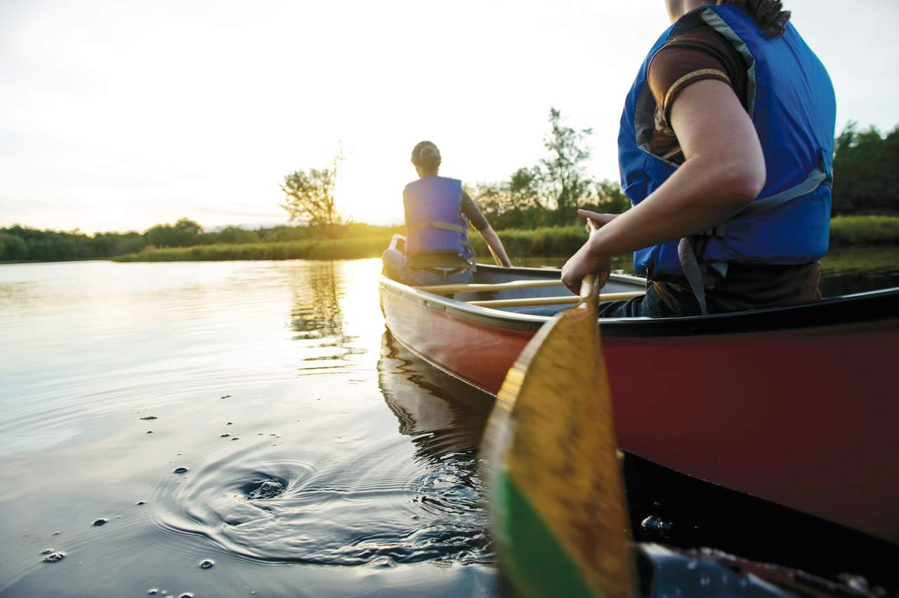 Kanu fahren im Kejimkujik Nationalpark / © Scott Munn