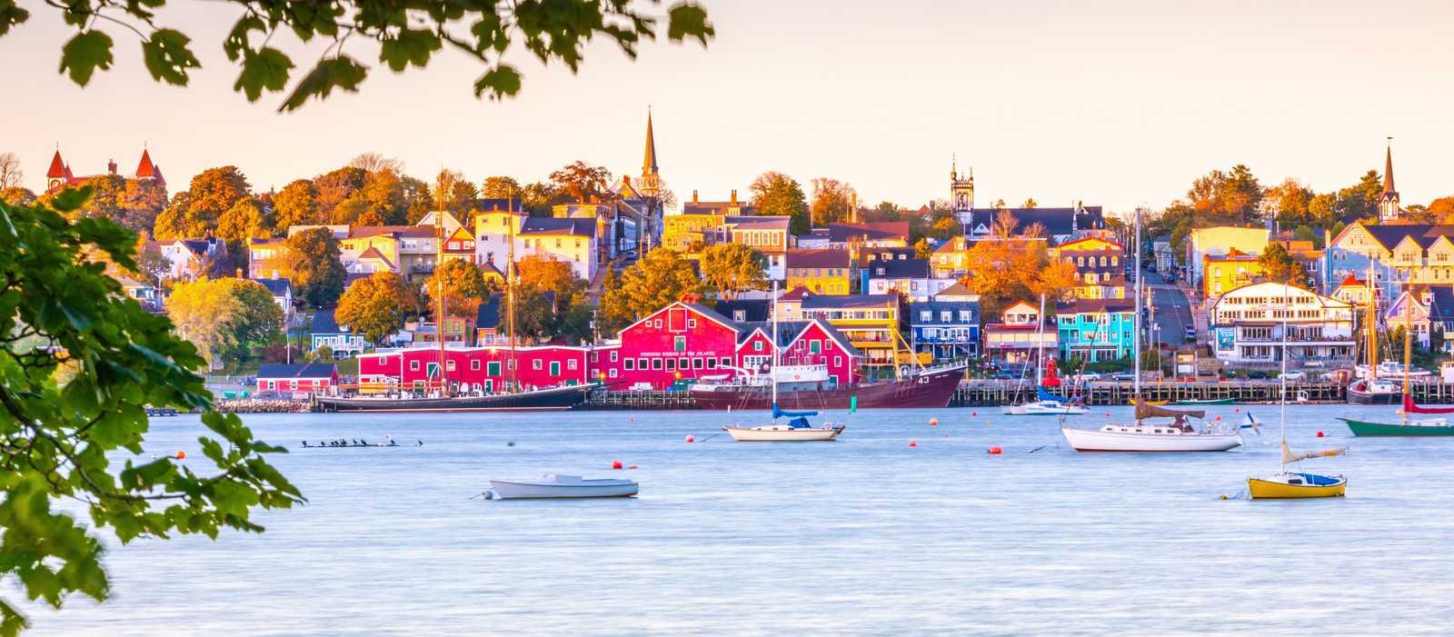 Blick auf den Hafen von Lunenburg in der kanadischen Provinz Nova Scotia
