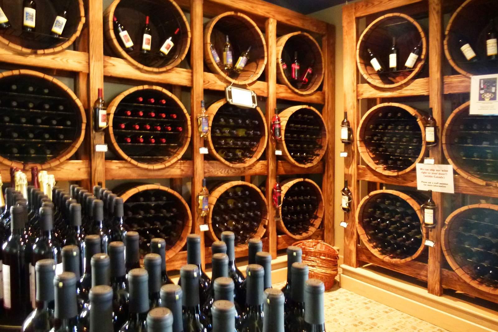 Weinkeller des Domaine de Grand Pre Weinguts