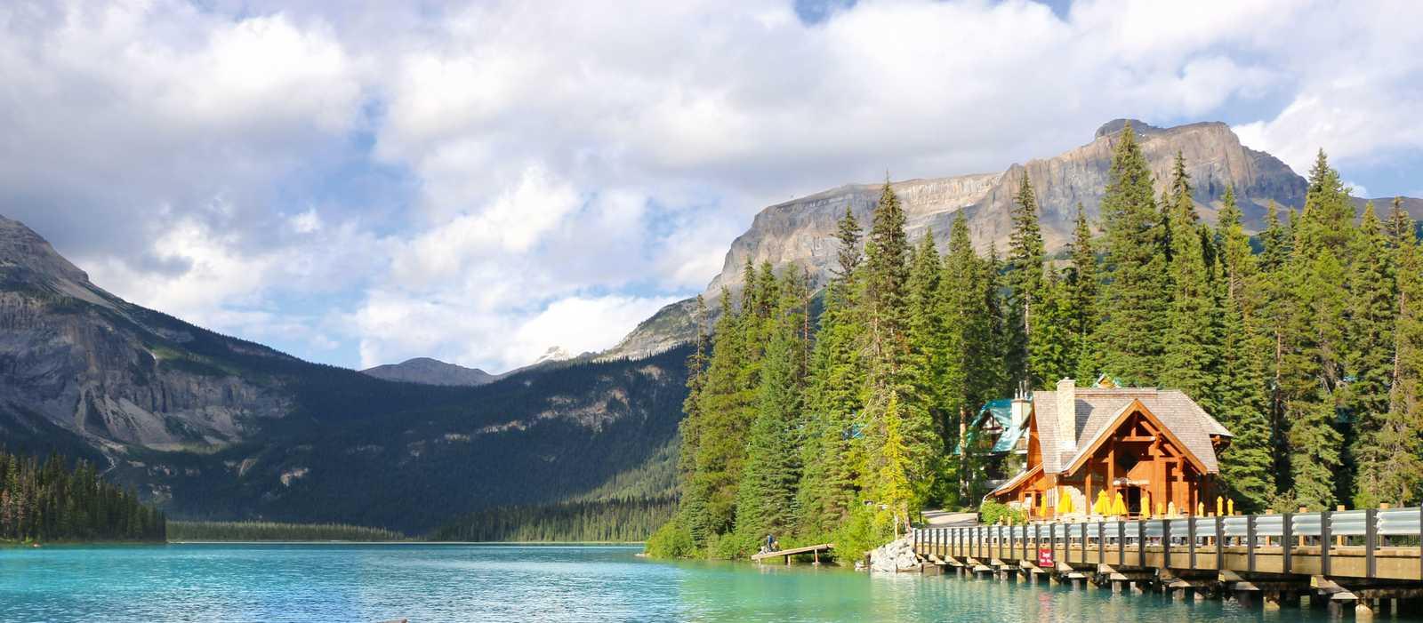 Kanus am Emerald Lake