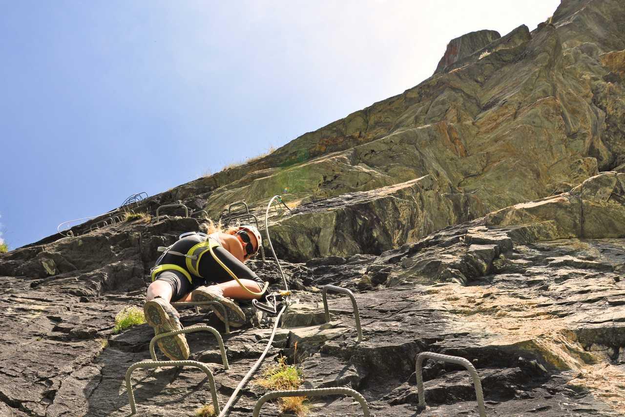 Klettersteig Quebec : Via ferrata klettersteig in kicking horse canusa