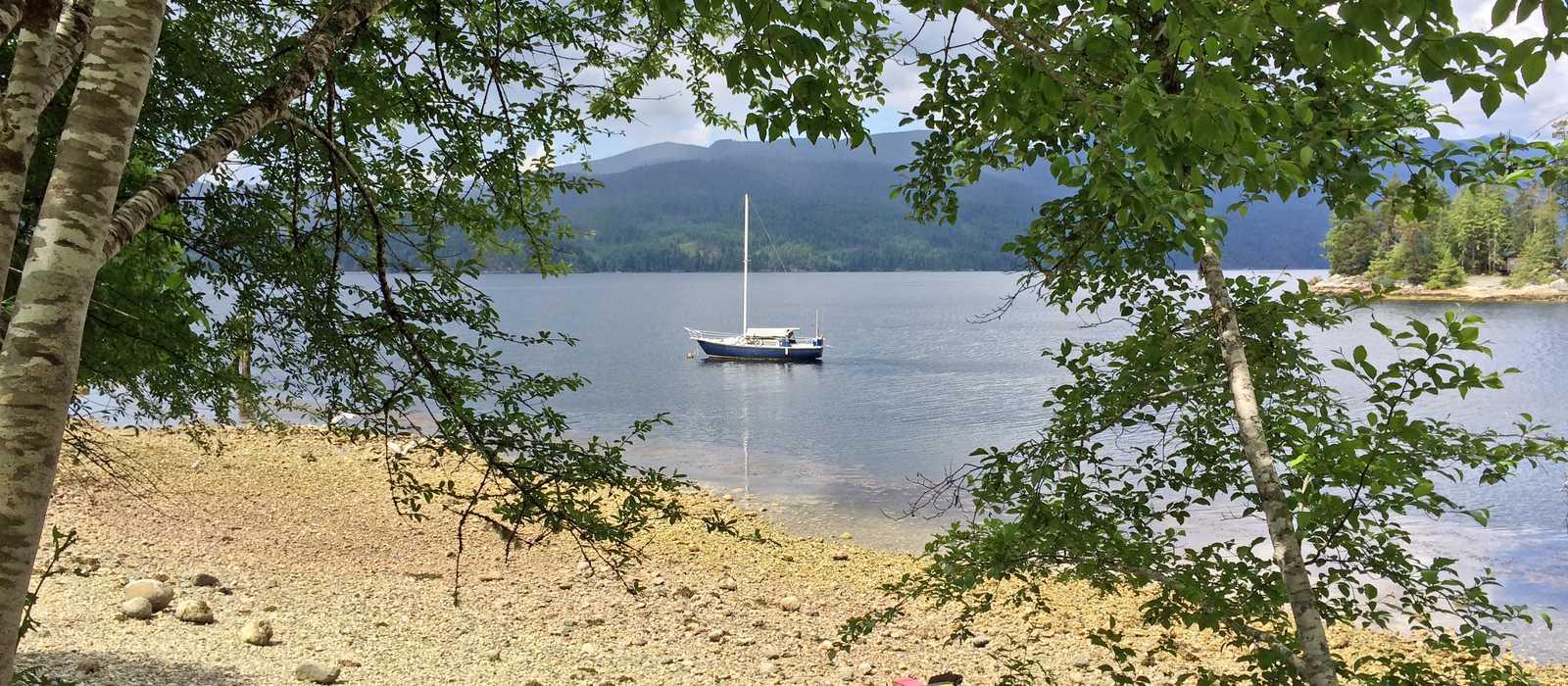 Bucht beim Kayak-Verleih von Pedals & Paddles