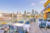 Lunch bei Bridges auf Granville Island bei Vancouver