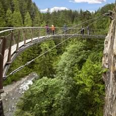 Cliffwalk im Capiloano Suspension Bridge Park, British Columbia