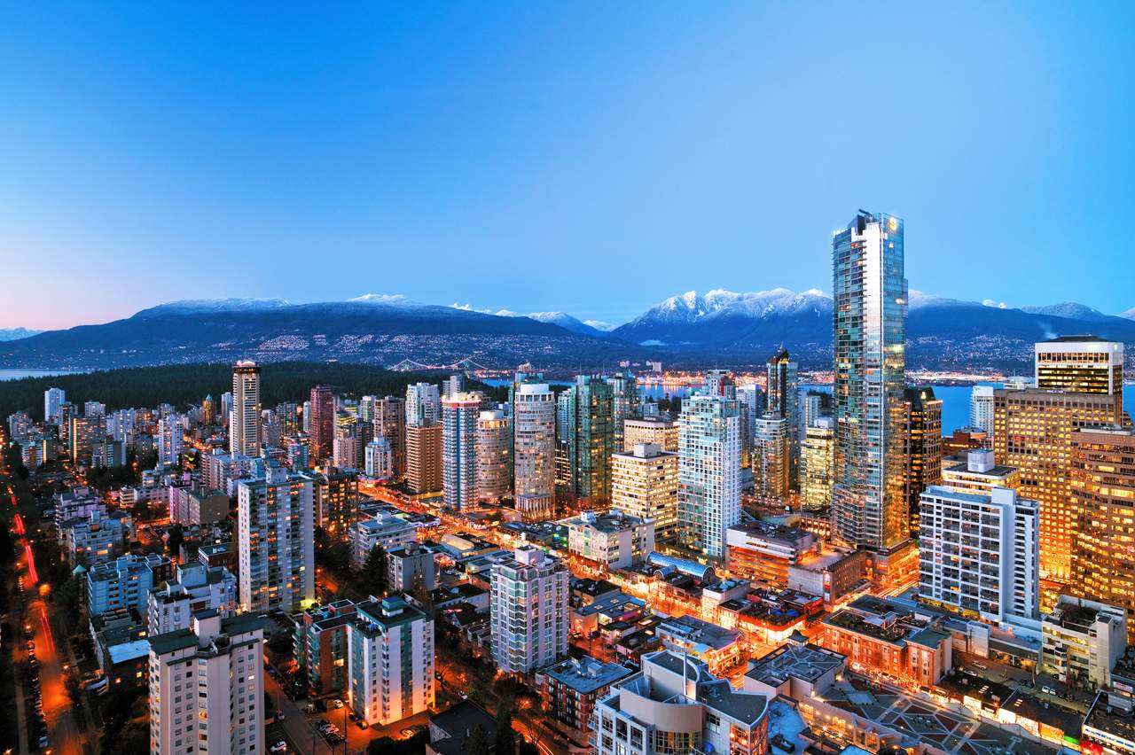 Downtown Vancouver bei Nacht, British Columbia