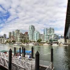 Aqua Bus Haltestelle auf Grancille Island in Vancouver, British Columbia