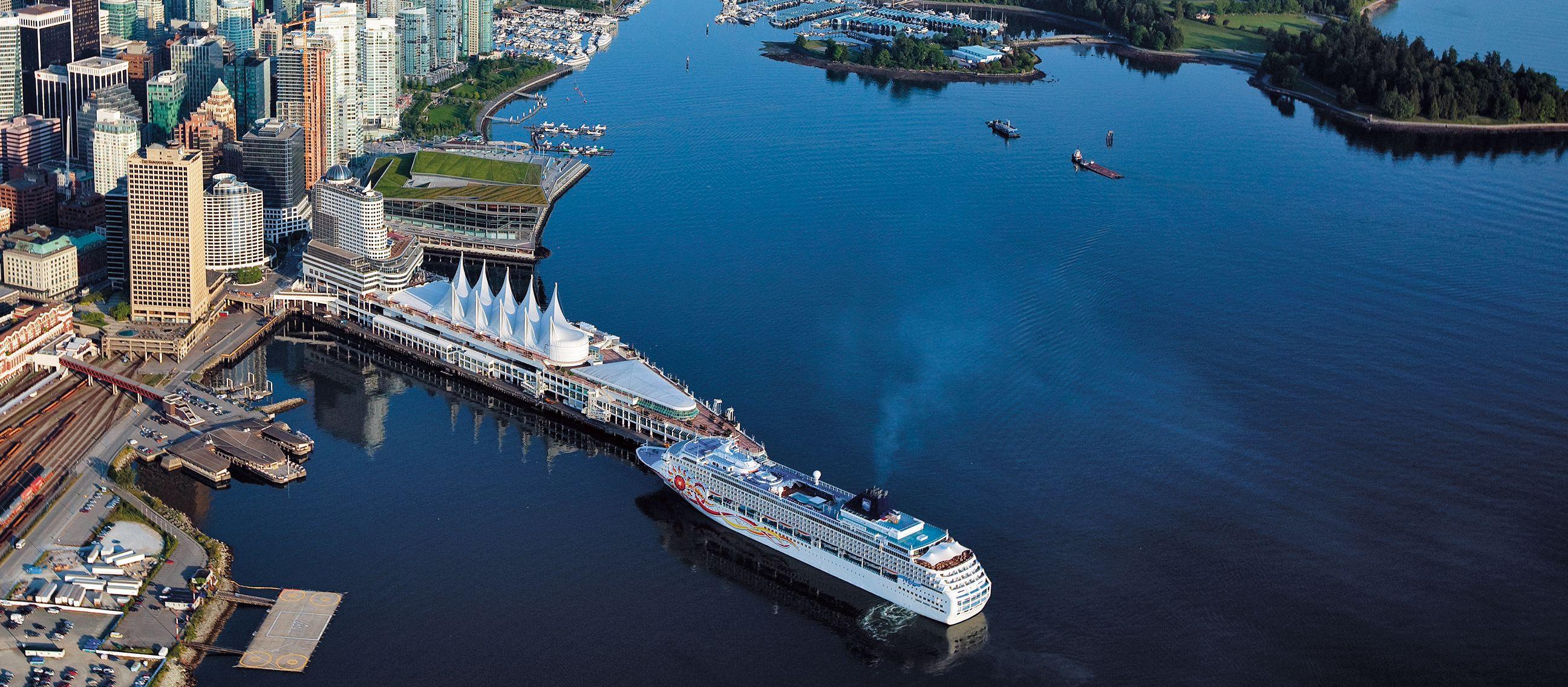 Hafen und Stanley Park aus der Luft