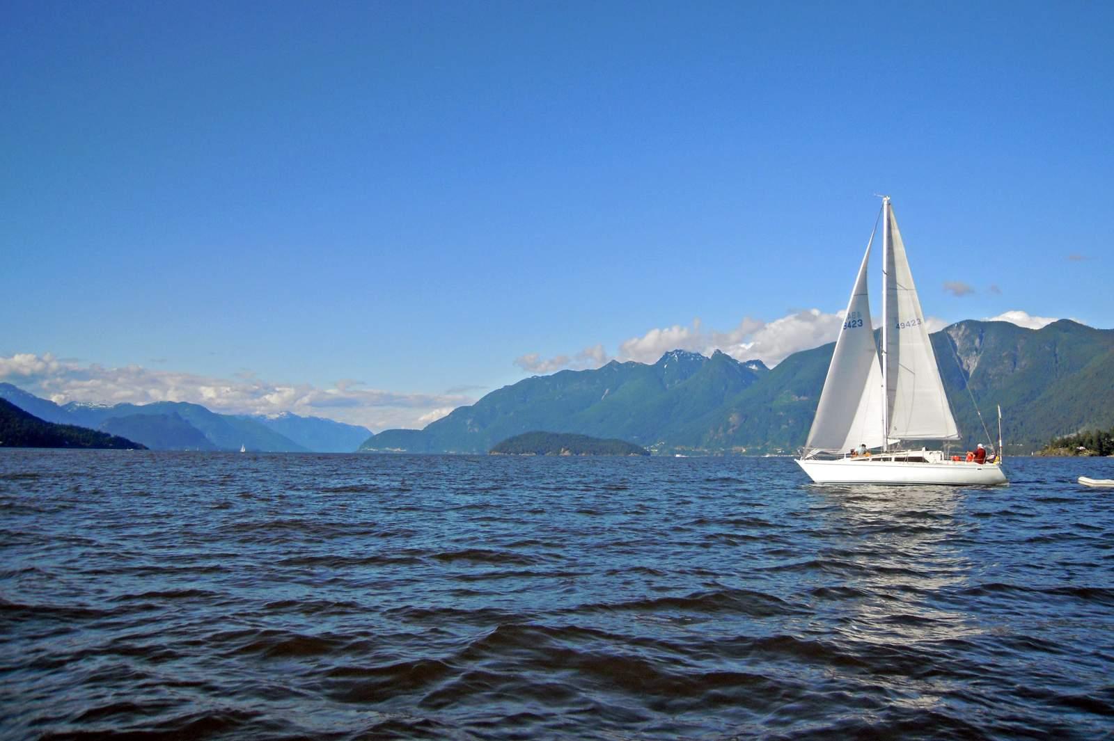 Segelboot im Howe Sound