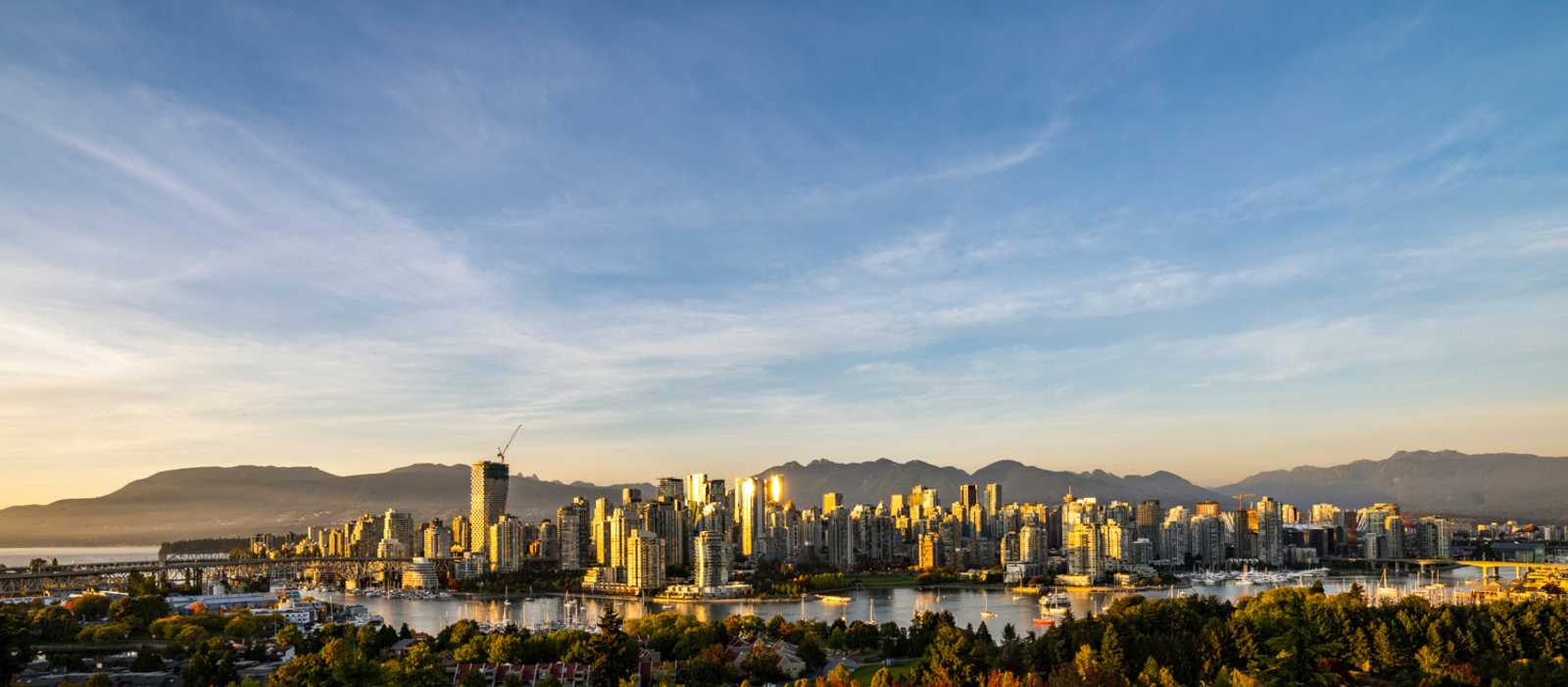 Die Skyline von Vancouver im Sonnenuntergang