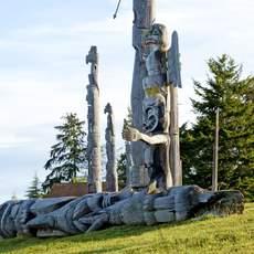 Totem-Pfähle auf Vancouver Island