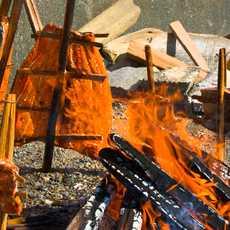 Lachszubereitung am Lagerfeuer
