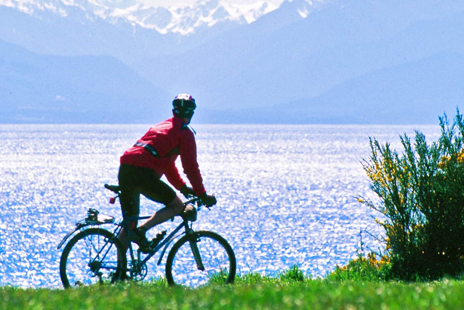 Mit dem Fahrrad die Küste entlangfahren