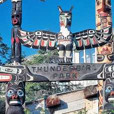 Totempfaehle im Thunderbird Park