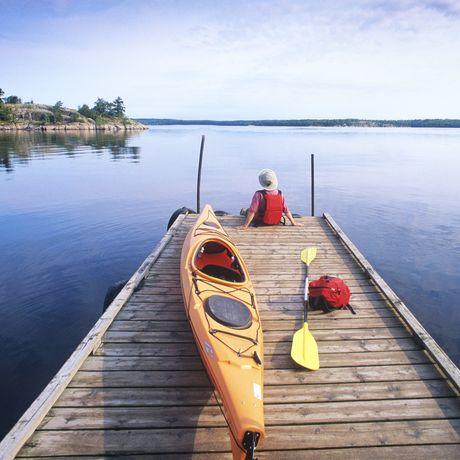 Steg im Nutimik Lake Campground im Whiteshell Provincial Park, Manitoba