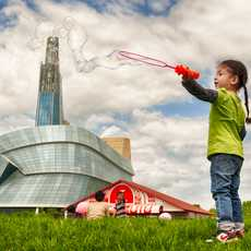 Seifenblasen bei The Forks National Historic Site in Winnipeg, Manitoba