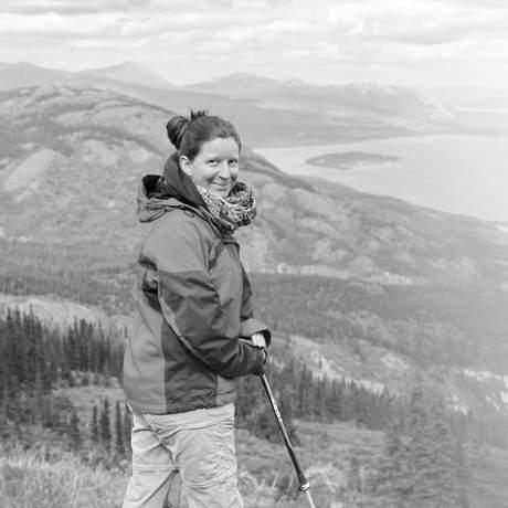 Odette auf dem Sam McGee Trail