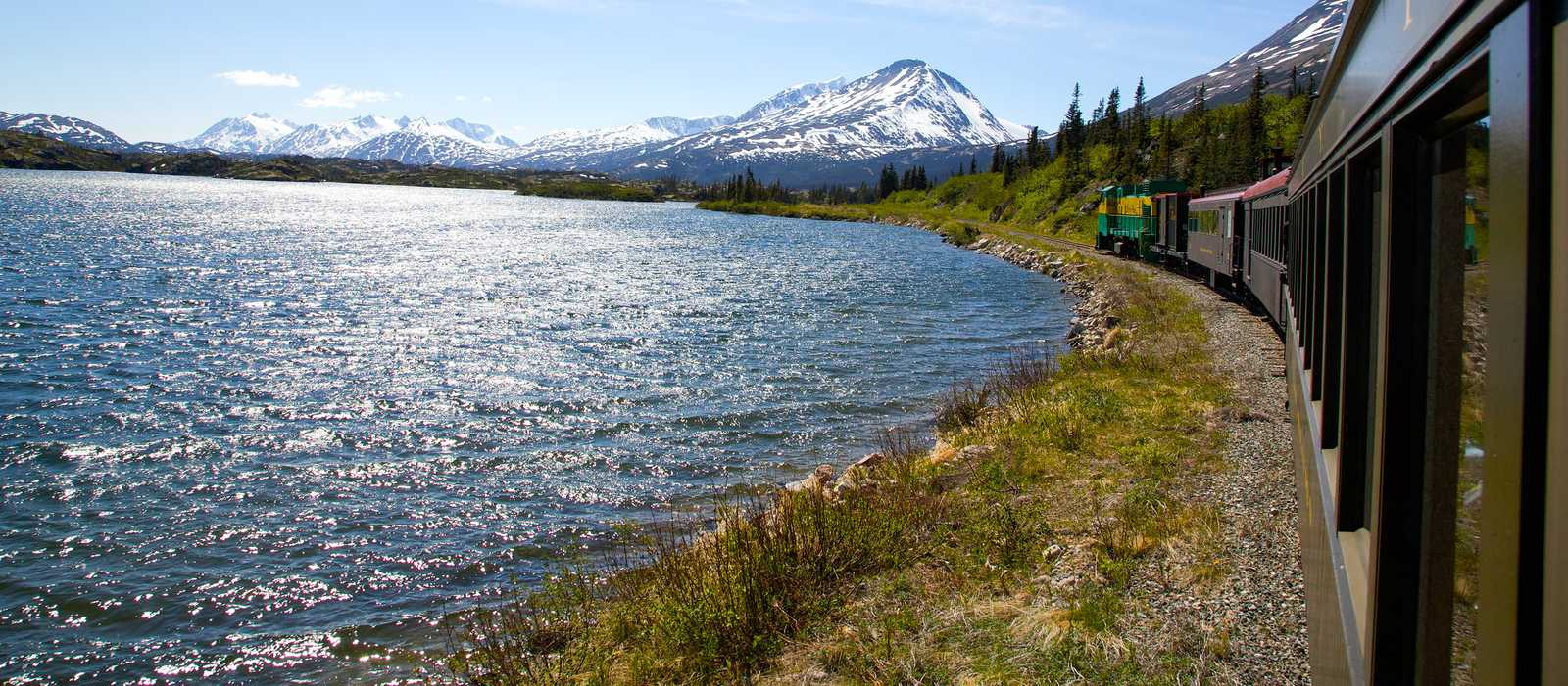 White Pass Train an den Summit Lakes in Yukon, Canda