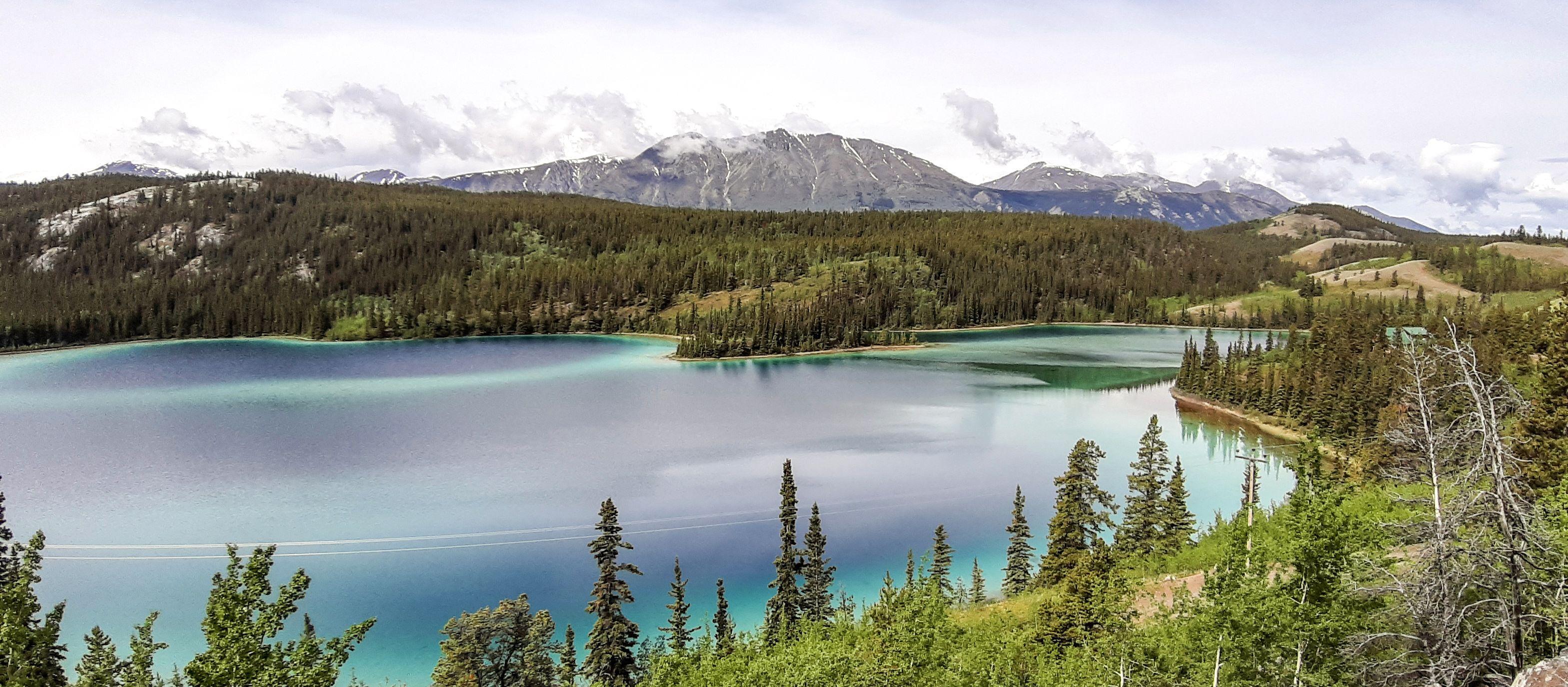 Blick über den Emerald Lake, Yukon