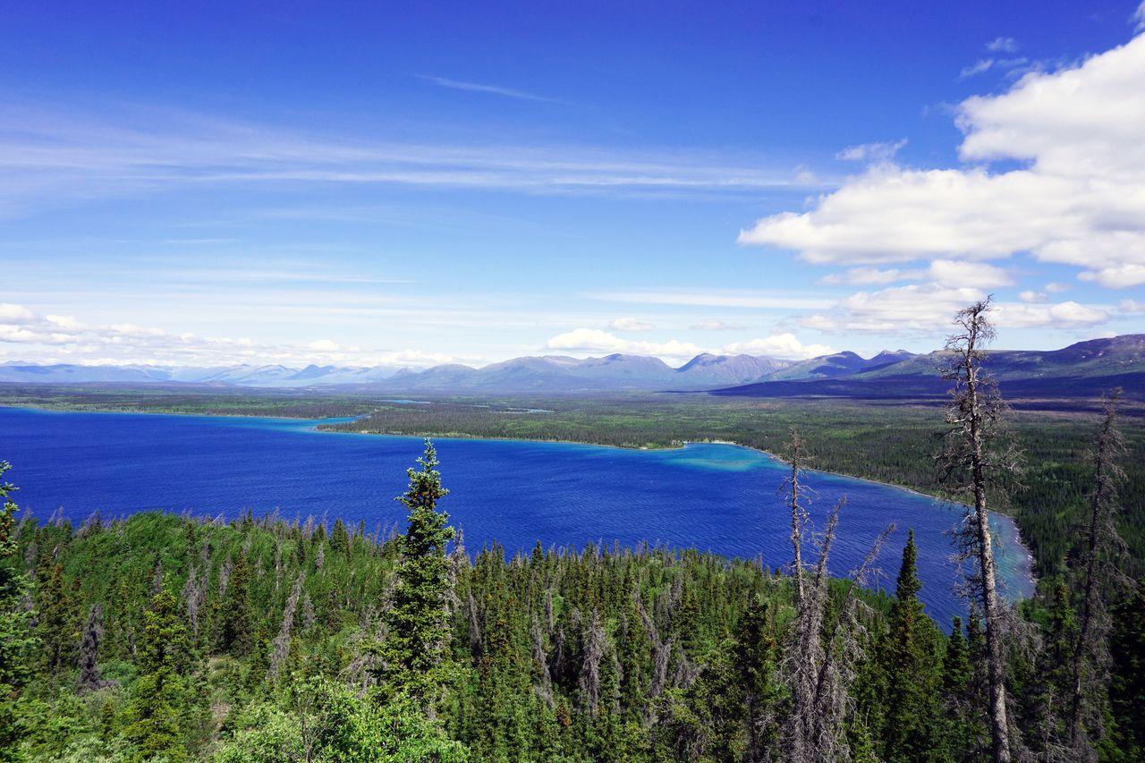 Kings Throne Trail mit Blick auf den Kathleen Lake