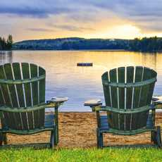 Zwei Wooden Chairs im Algonquin Provincial Park