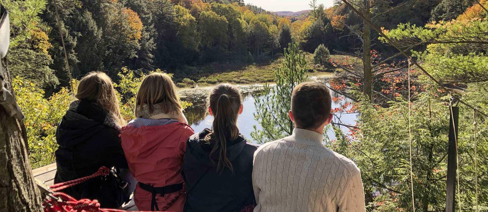 Canopy Tour auf der Azubi-Reise im Haliburton Forest & Wild Life Reserve, Ontario