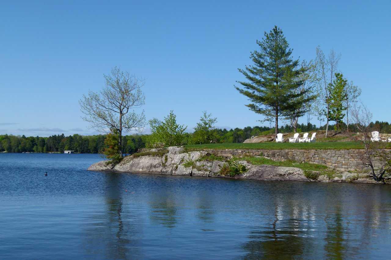 Lake Rosseau, Midland-Muskoka Lakes, Felsinsel im See