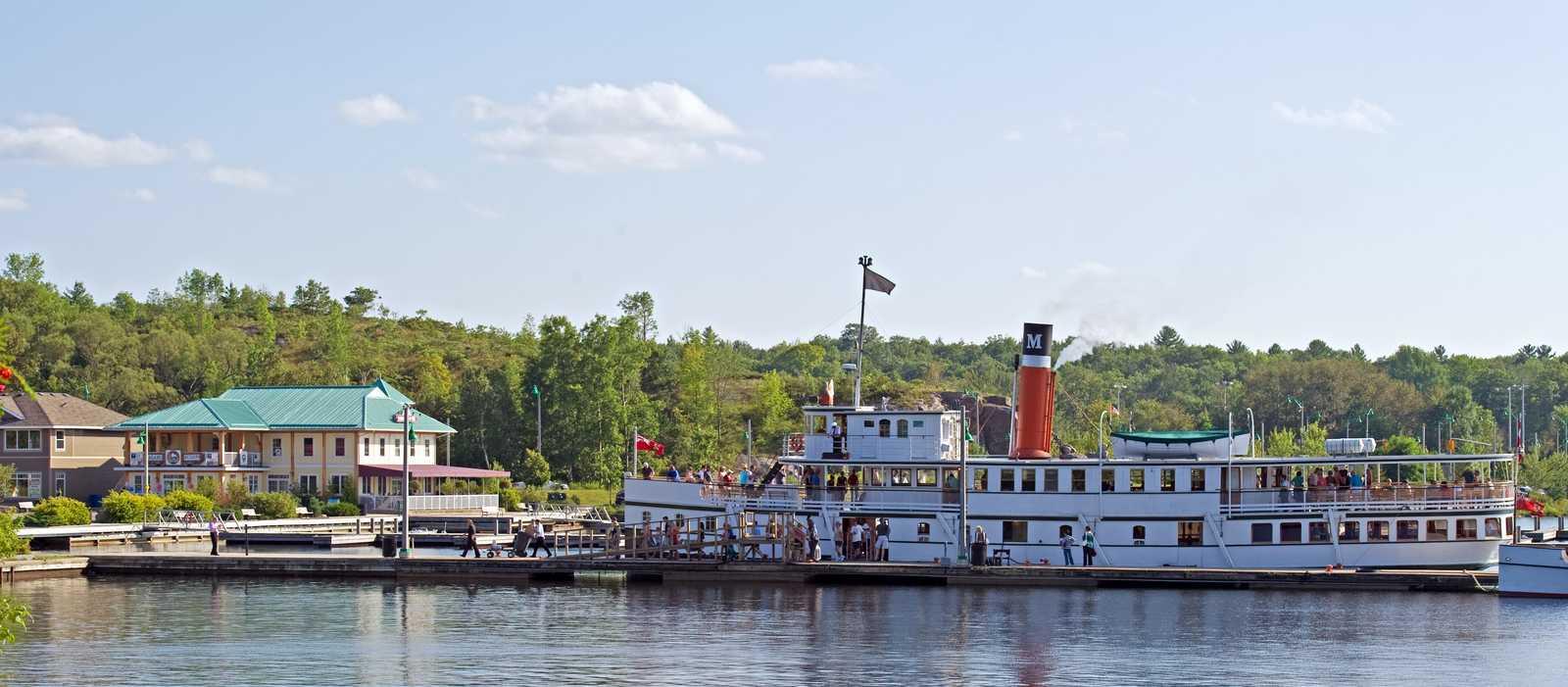 Historisches Schiff in Muskoka