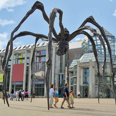 Skulptur vor der National Gallery of Canada