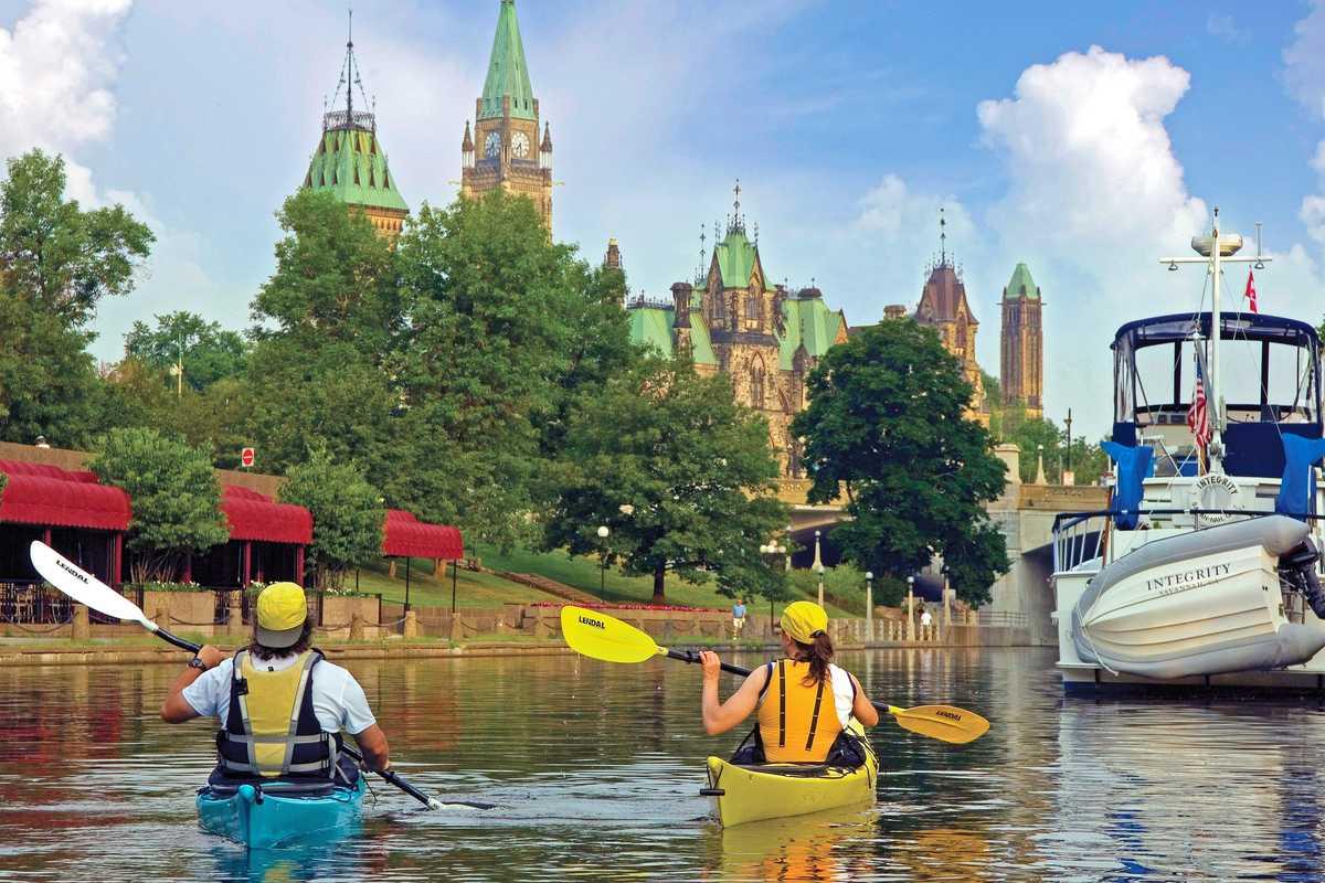 Paddeln im Rideau Canal in Ottawa