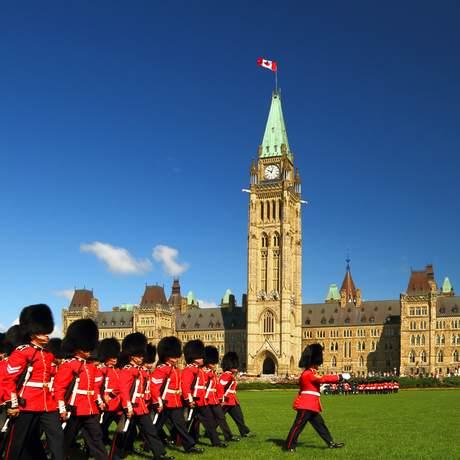 Wachabloesung vor dem kanadischen Parlament, Ottawa