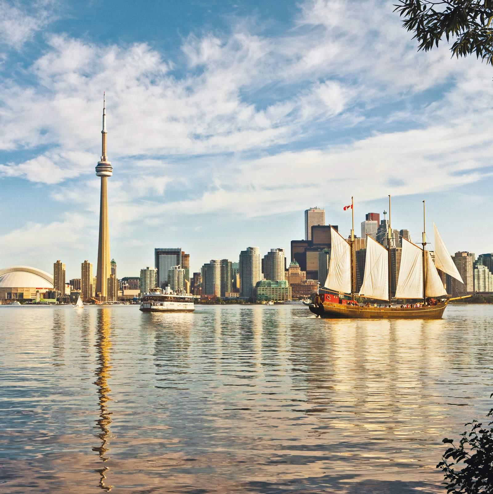 Skyline von Toronto mit Segler