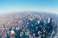 Genießen Sie die Aussicht bei einer Fahrt auf den CN Tower in Toronto