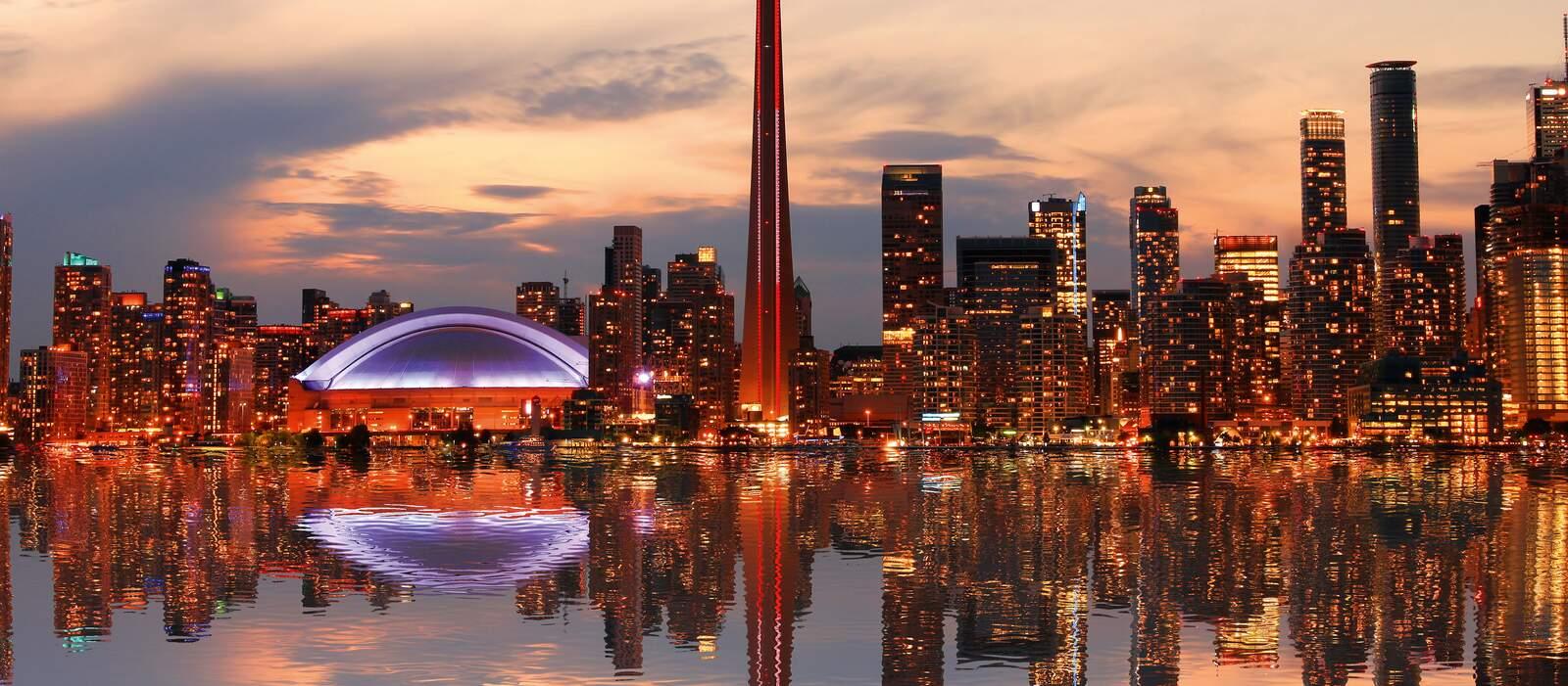 Die Skyline Torontos am Abend