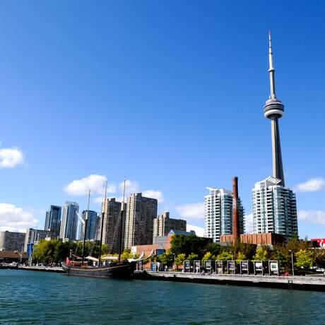 Stadtblick auf Toronto vom Lake Ontario