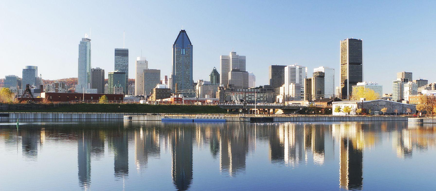 Skyline von Montreal mit Spiegelung