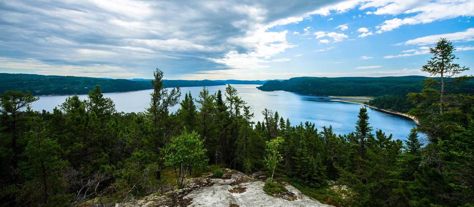 Idyllischer Blick über den Saguenay Fjord Park, Quebec