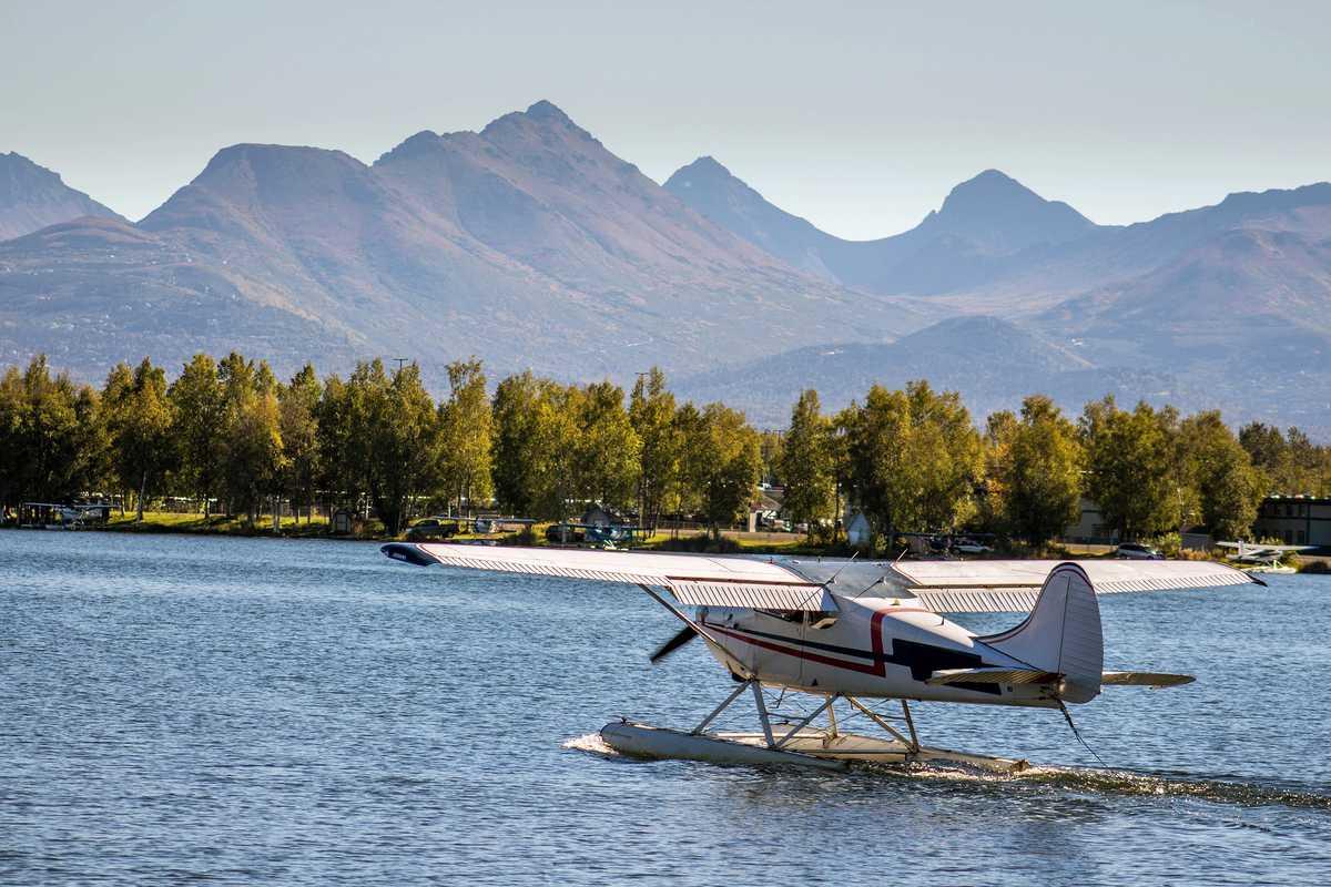 Wasserflugzeug kurz vor dem Abheben