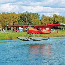 Wasserflugzeug bei der Landung