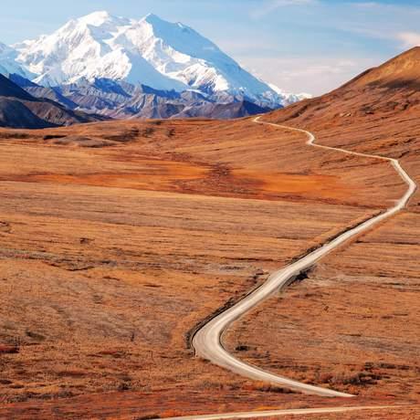 Straße zum Denali in Alaska