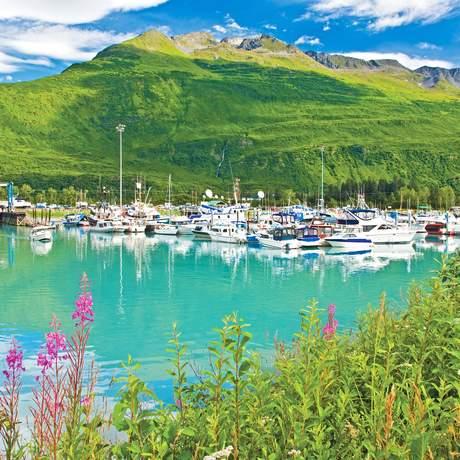 Boote im Hafen von Valdez, Alaska