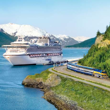 Denali Express Train und die Sapphire Princess, Whittier, Alaska